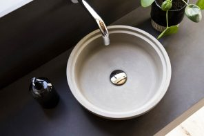 Bak sink pays homage to the simple lines of the humble flowerpot