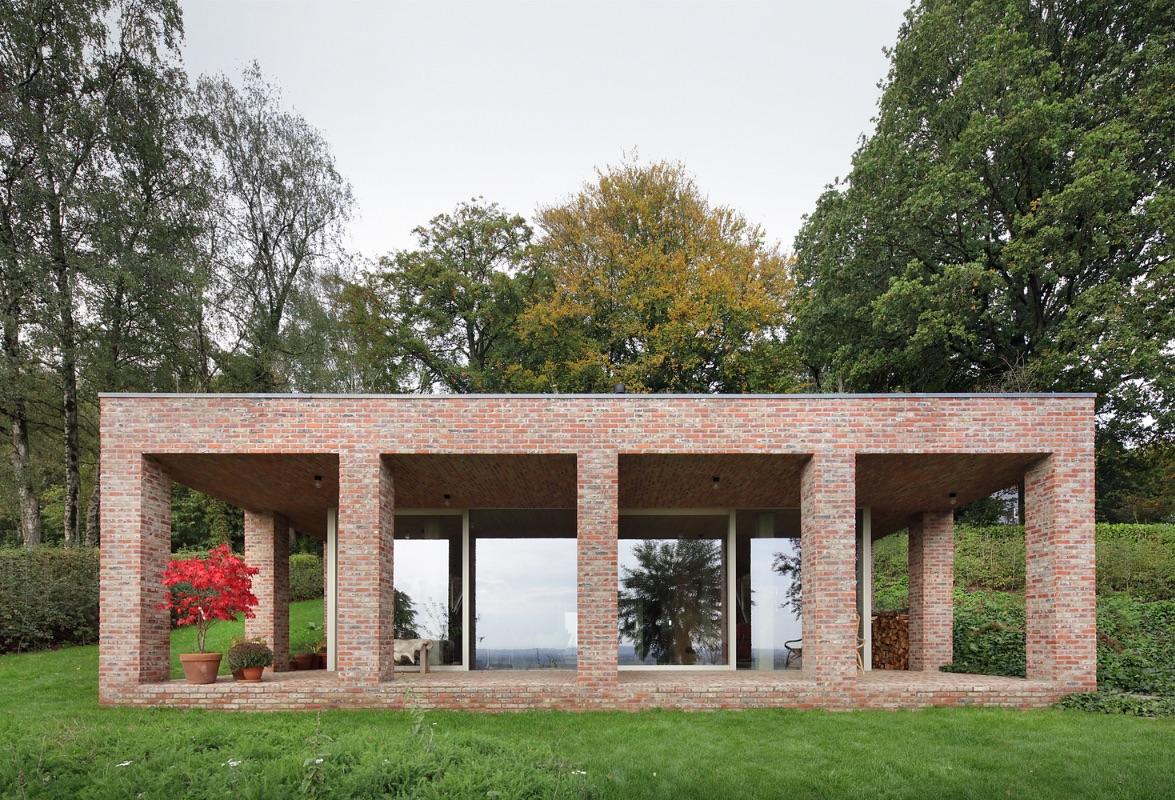 1_Sloped Villa_Studio Okami Architects_Inspirationist