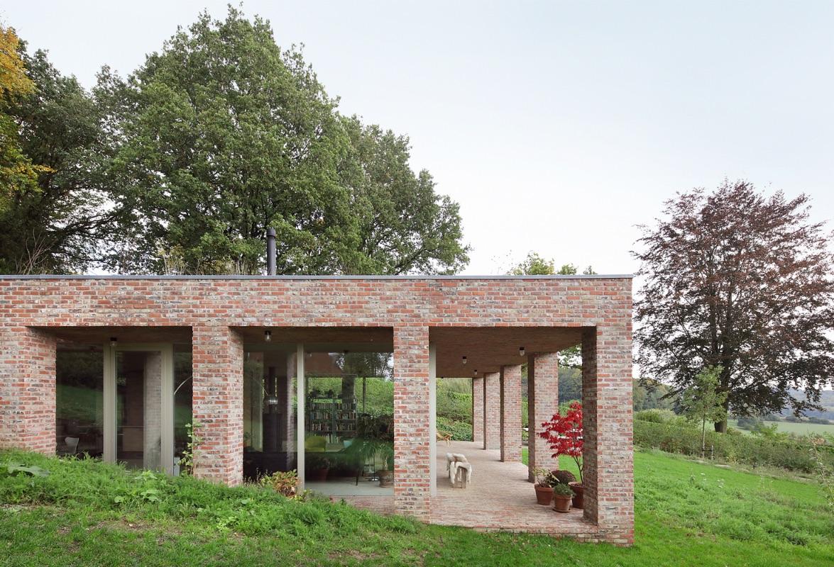 4_Sloped Villa_Studio Okami Architects_Inspirationist