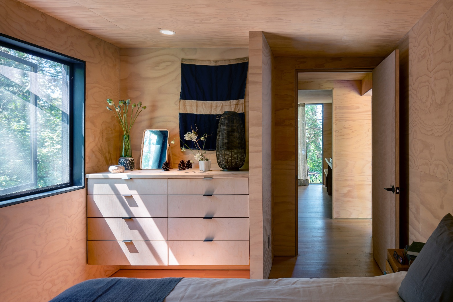 10_Wittman Estes Architects_Hood Cliff Retreat_Inspirationist