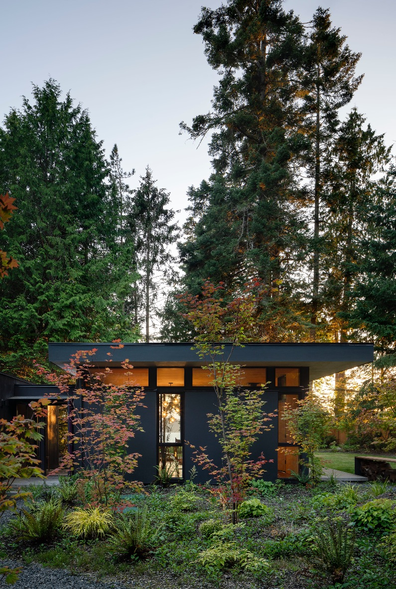 16_Wittman Estes Architects_Hood Cliff Retreat_Inspirationist