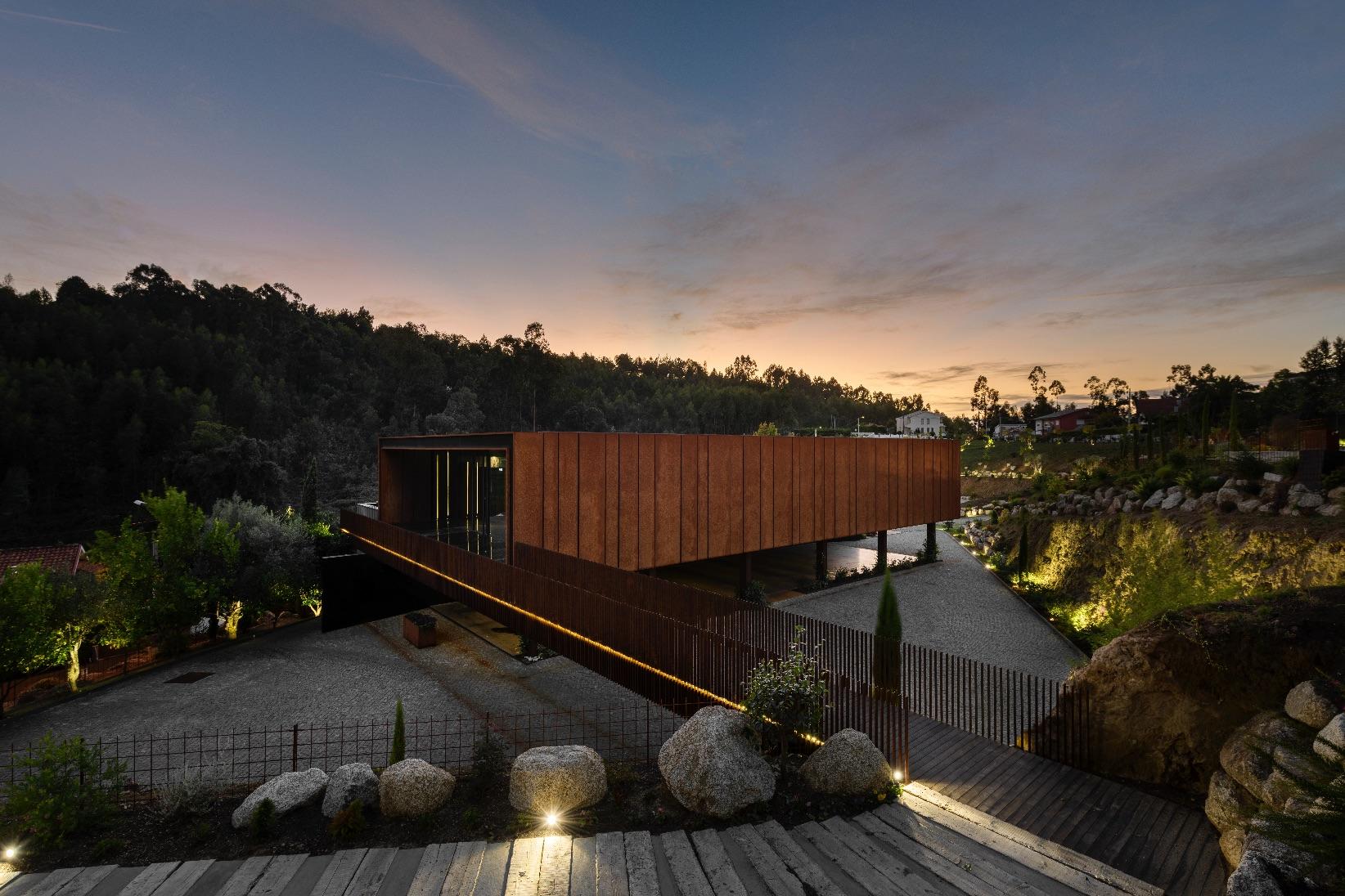 10_MMV Arquitectos_Suspended Matter Box_Inspirationist