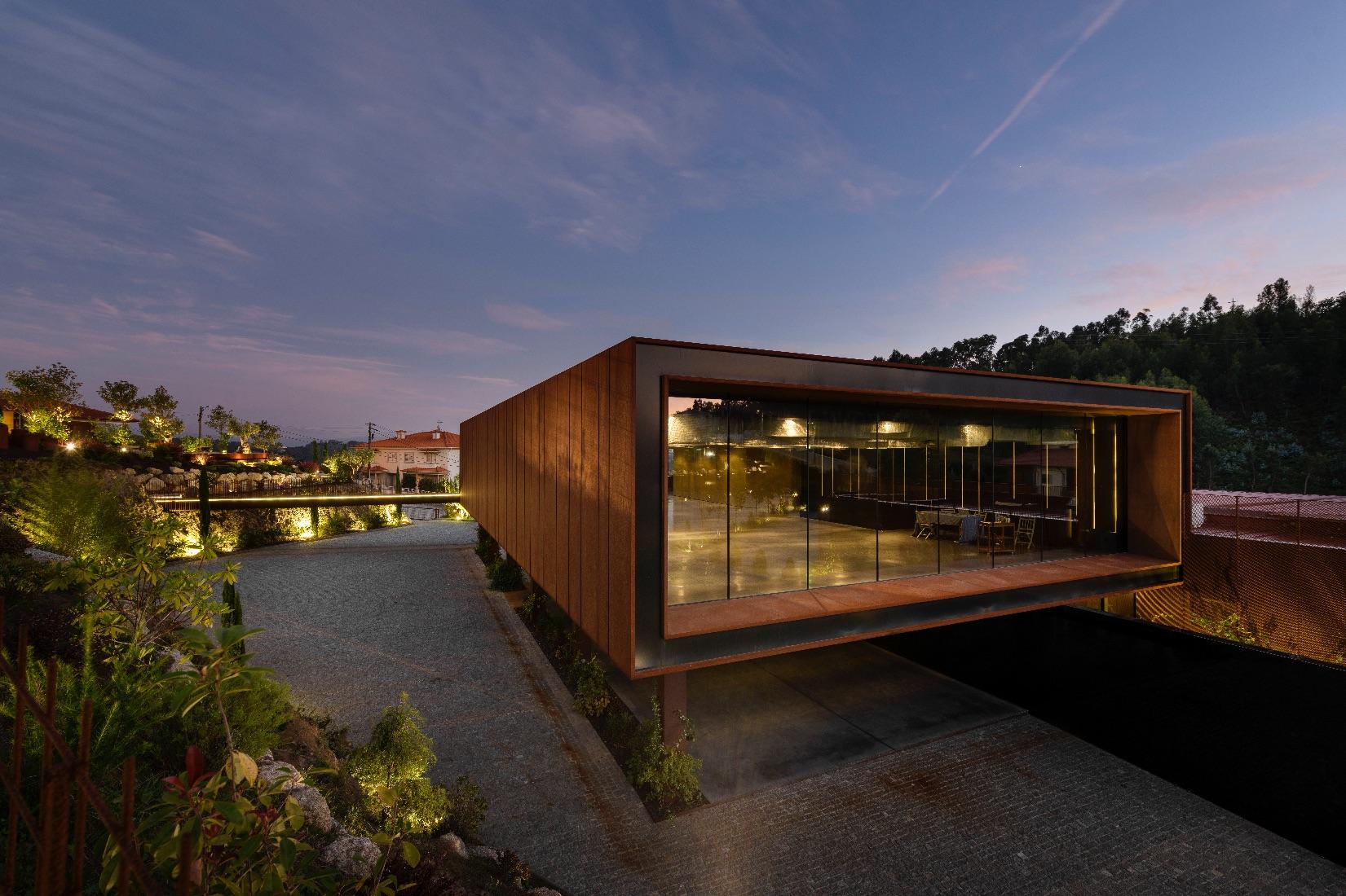 11_MMV Arquitectos_Suspended Matter Box_Inspirationist