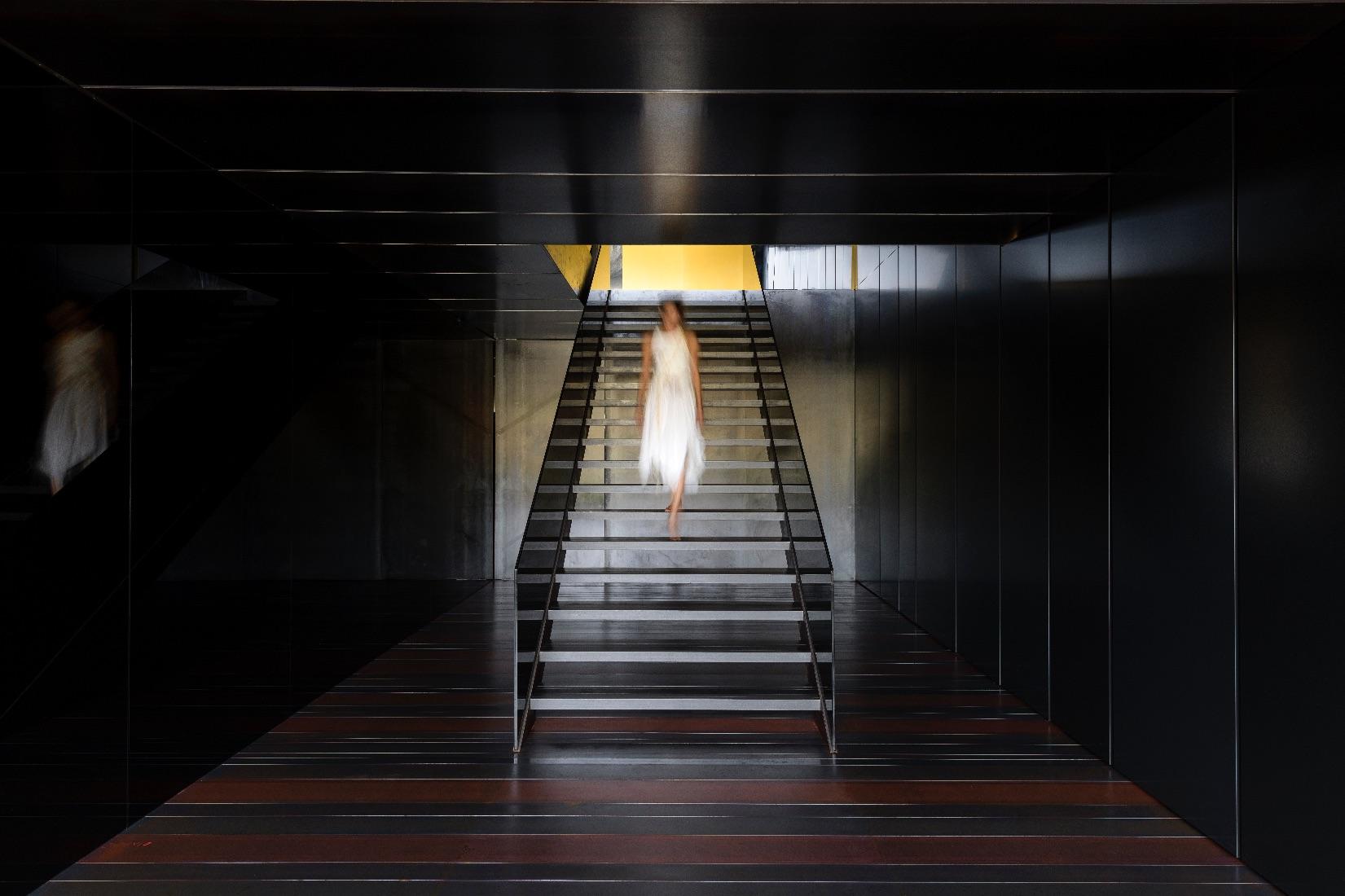 17_MMV Arquitectos_Suspended Matter Box_Inspirationist