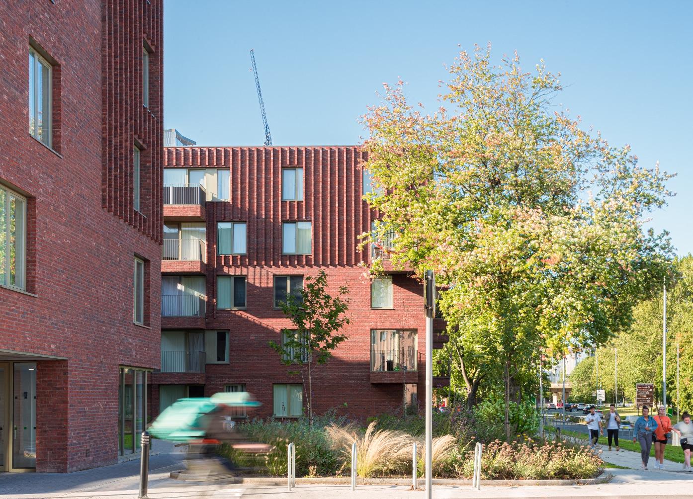 1_mecanoo_Hulme Living Leaf Street Housing_Inspirationist