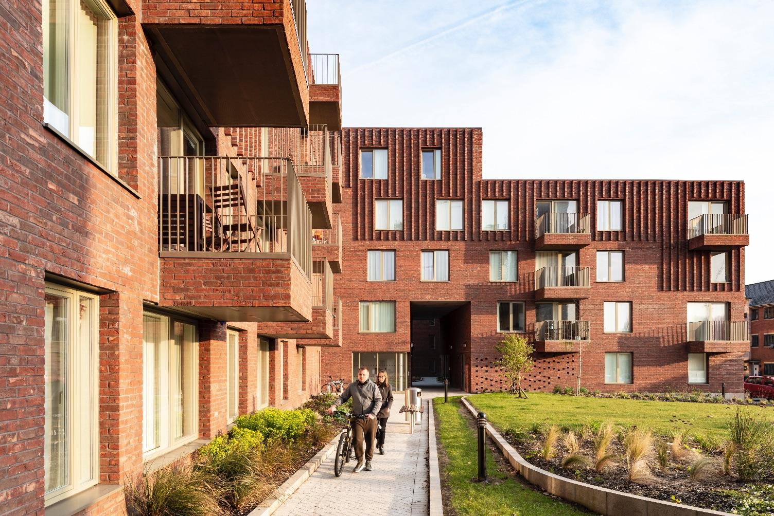 7_mecanoo_Hulme Living Leaf Street Housing_Inspirationist