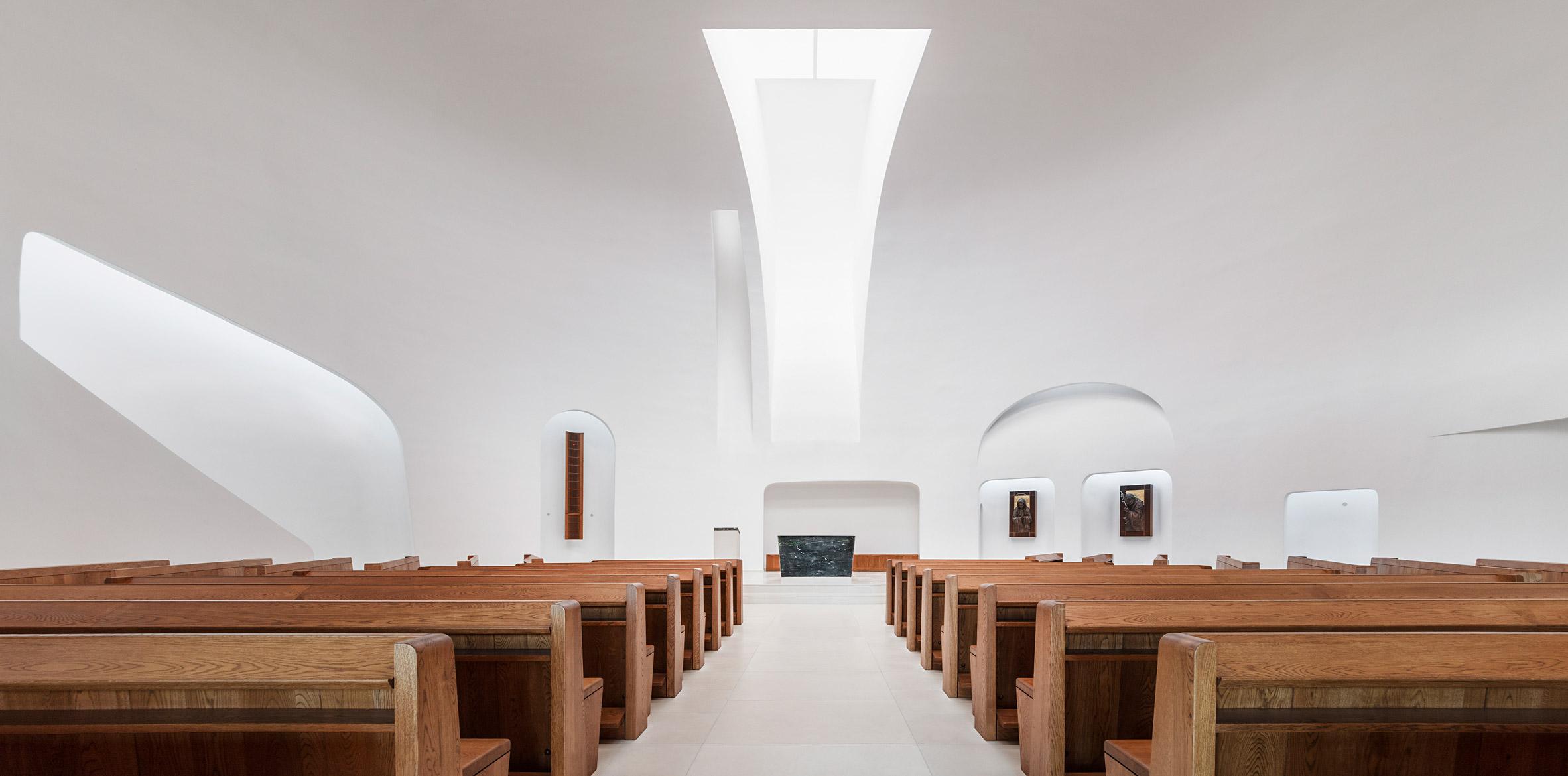 3_Saint John Paul II Church_Robert Gutowski Architects_Inspirationist