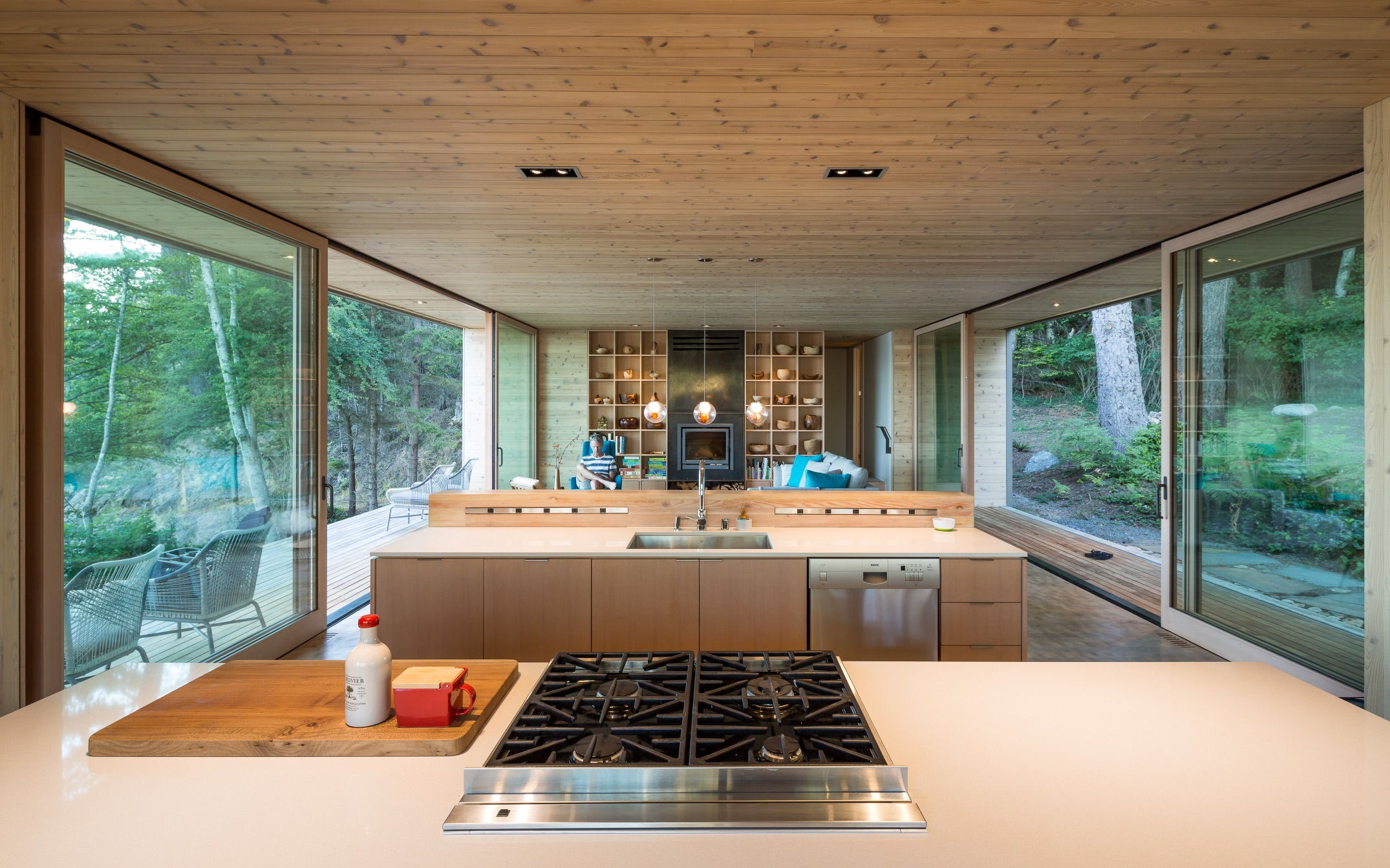 5_Lone Madrone_Heliotrope Architects_Inspirationist