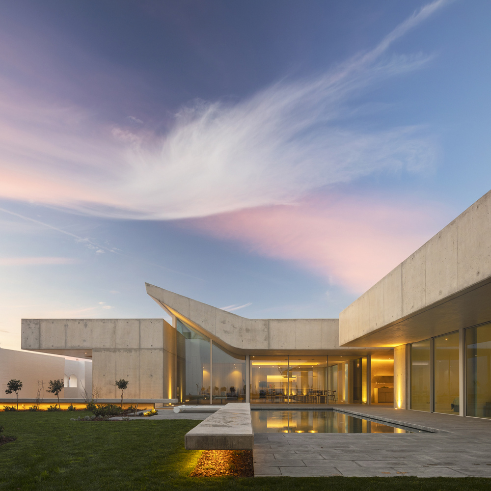 1_House-of-the-Nuns_Mario-Martins-Atelier_Inspirationist