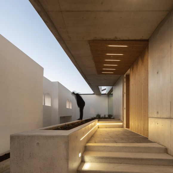2_House-of-the-Nuns_Mario-Martins-Atelier_Inspirationist
