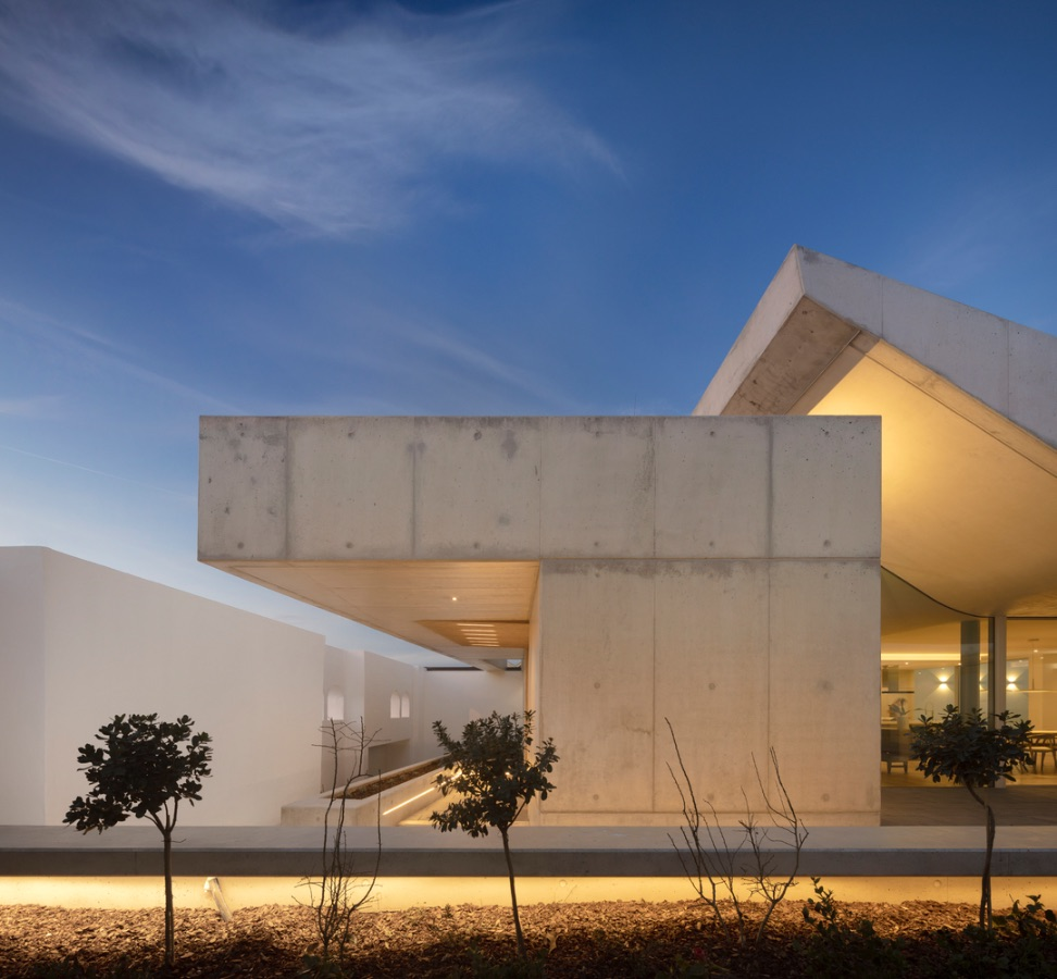 3_House-of-the-Nuns_Mario-Martins-Atelier_Inspirationist