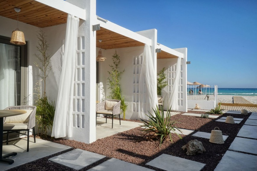 8_Meltem-Beach-Rooms-_TheCATWORK_Inspirationist