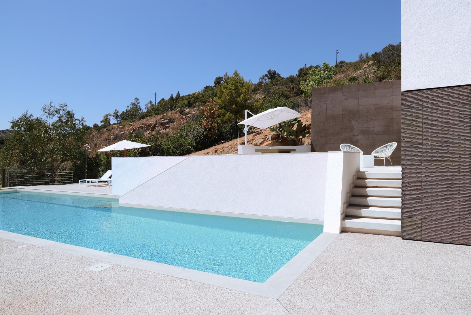 7_House-along-Sardinias-Coastline_Pierluigi-Piu_Inspirationist