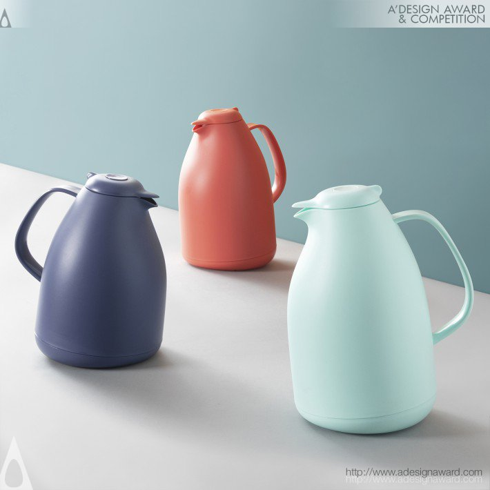 Penguin-Thermo-Jug-by-Zaiyong-Fa