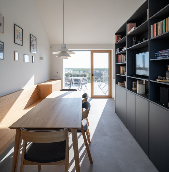 11_Family-House-with-Atrium_SENAA_Inspirationist