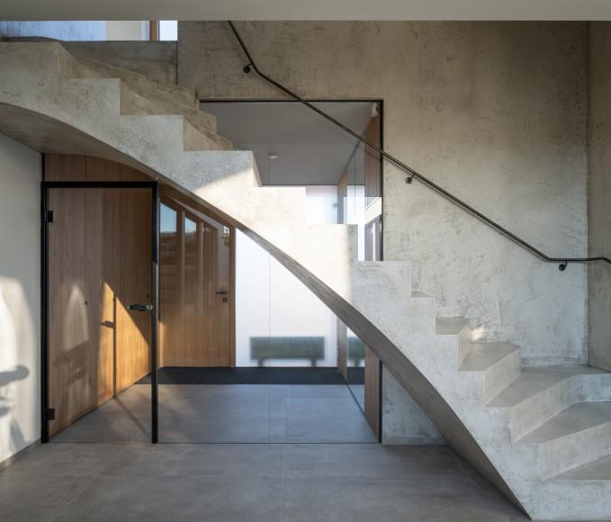 7_Family-House-with-Atrium_SENAA_Inspirationist