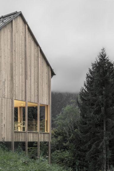 10_Haus am Stürcherwald_Bernardo Bader Architekten_Inspirationist
