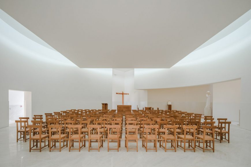 6_Alvaro Siza Vieira_New Church of Saint-Jacques de la Lande_Inspirationist