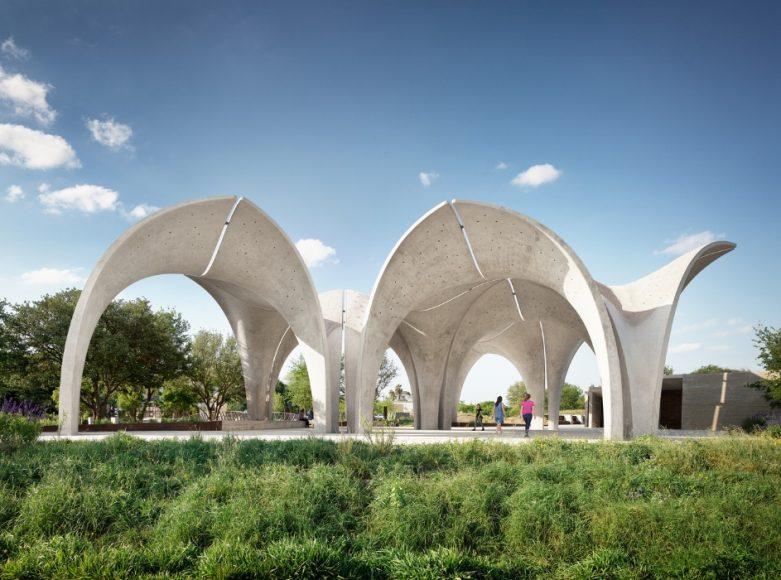 1_Confluence Park_Lake|Flato Architects+Matsys Design_Inspirationist