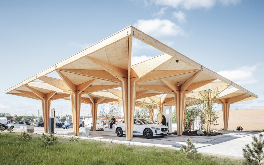 Ultra fast charging station for electric vehicles consists of series of structural 'trees'