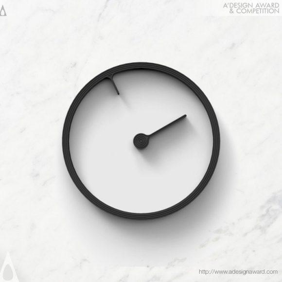 11_Reverse Clock by Mattice Boets