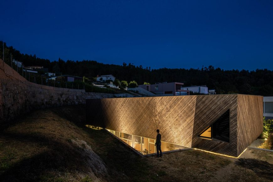 Casa A em Guimarães do atelier de arquitetura REM'A arquitectos