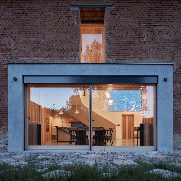 17_ORA_House Inside a Ruin_Inspirationist