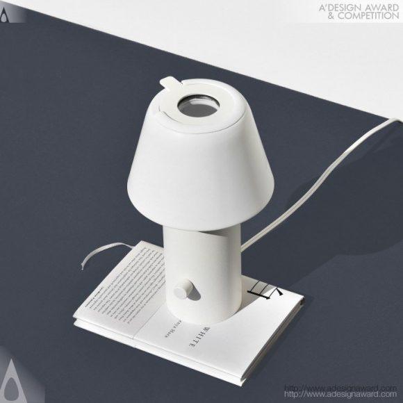 Iris Lamp by Max Kampa