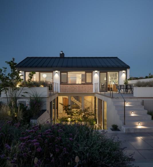 17_Family-House-with-Atrium_SENAA_Inspirationist