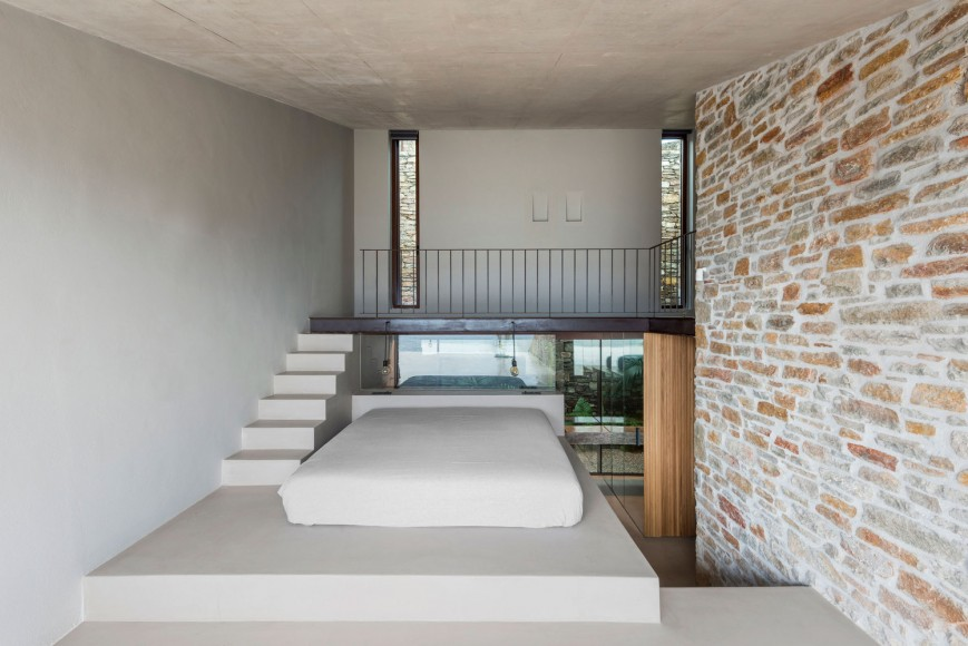 2_Ncaved-House_MOLD-Architects_Inspirationist