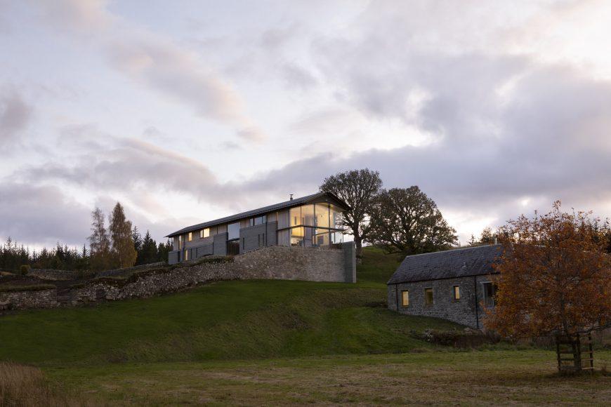1_WT-Architecture_Loch-Tummel-House_Inspirationist