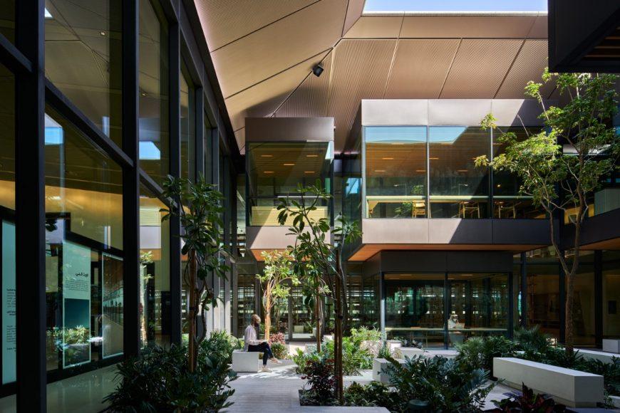 5_House-of-Wisdom-Library-and-Cultural-Center_Foster-Partners_Inspirationist