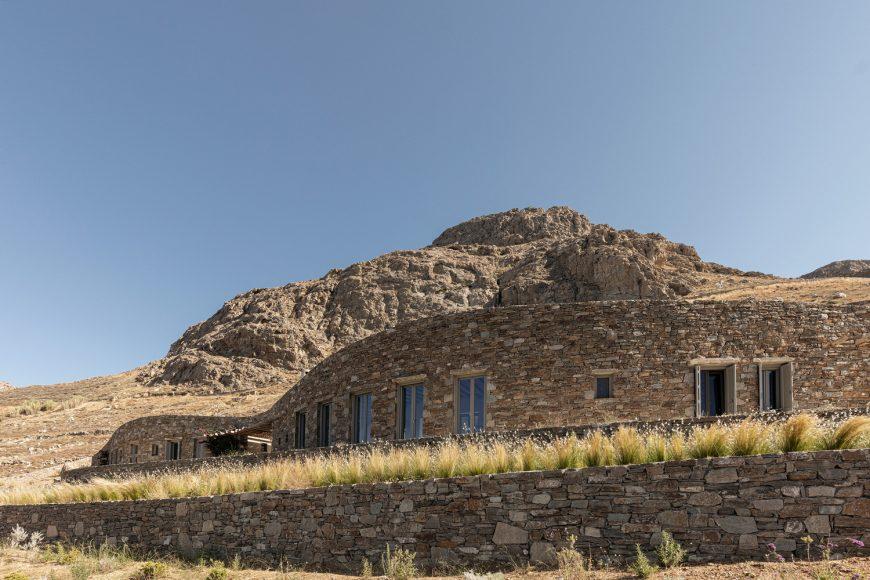 3_Xerolithi-House_Sinas-Architects_Inspirationist