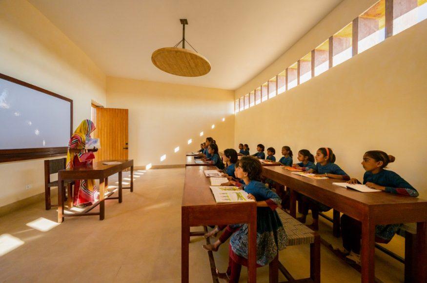 4_The-Rajkumari-Ratnavati-Girls-School_Diana-Kellogg-Architects_Inspirationist