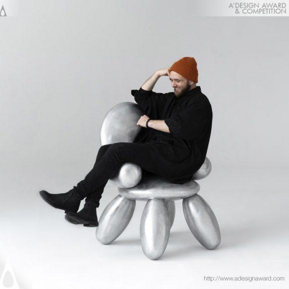 Bubble-Chair-by-Grigorii-Gorkovenko